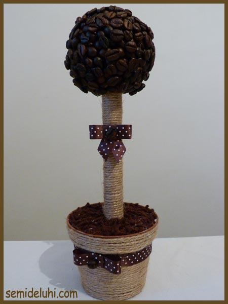 Детские работы: деревья из кофейных зёрен 1